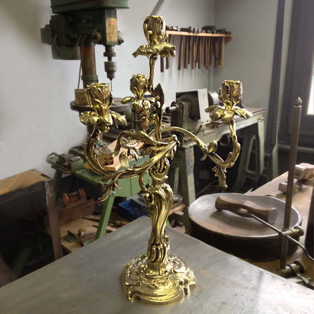 Orfèvre restauraiion de candélabres anciens en argent ou métal argenté à Paris