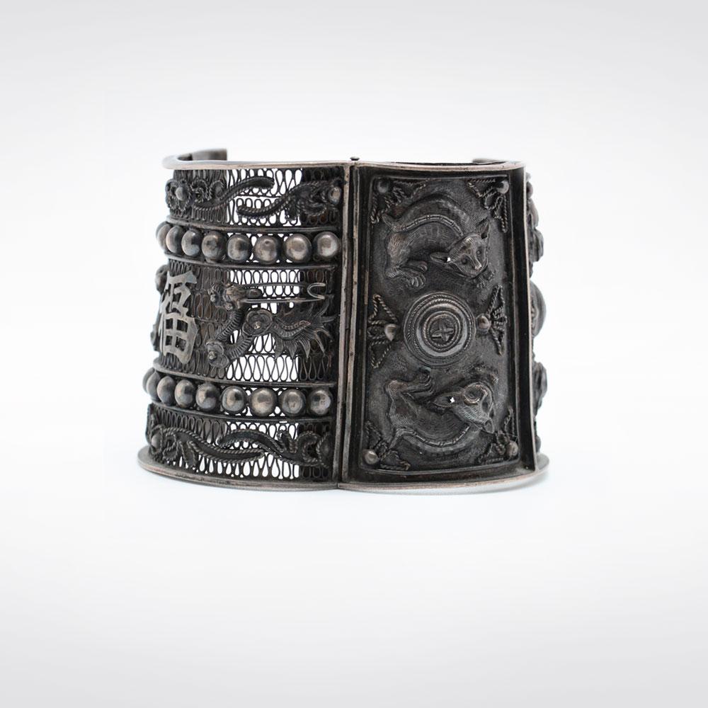 Bracelet ancien en argent avant restauration